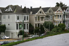 francisco houses den san victorianen Arkivfoto