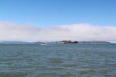 francisco san Άποψη σχετικά με τη φυλακή Alcatraz Υπόβαθρο νησιών Alcatraz Στοκ Φωτογραφία