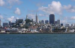 Francisco-Skyline vom Schacht Lizenzfreie Stockfotos