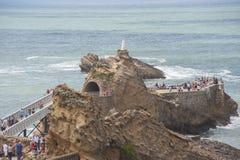 Francja Biarritz, LIPIEC, - 21, 2014: Skała maryja dziewica wewnątrz Zdjęcie Royalty Free