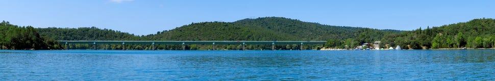 Francja - jezioro St Cassien Zdjęcie Stock