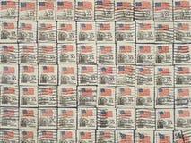 Francobolli con la bandierina della condizione degli S.U.A. Immagini Stock Libere da Diritti