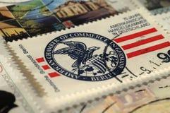 Francobollo della Germania Mostra 75 anni di camera di commercio americana in Germania immagini stock libere da diritti