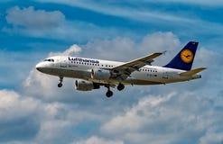 FRANCOFORTE, ALEMANHA: 23 DE JUNHO DE 2017: Airbus A319 LUFTHANSA Imagens de Stock