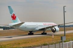 FRANCOFORTE, ALEMANHA: 23 DE JUNHO DE 2017: Boeing 777-200LR Air Canada é Fotografia de Stock Royalty Free