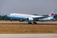 FRANCOFORTE, ALEMANHA: 23 DE JUNHO DE 2017: Boeing 777-200LR Air Canada é Imagem de Stock