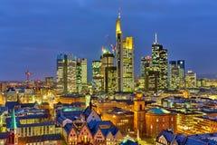 Francoforte alla notte Fotografie Stock Libere da Diritti