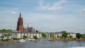 Francoforte - am - cano principal, em junho de 2017 no bom tempo Imagens de Stock Royalty Free