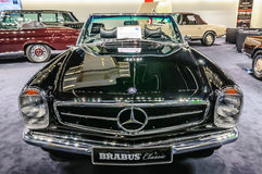 FRANCOFORTE - SEPT 2015: Cabrio 1969 do PAGODE de MERCEDES-BENZ 280SL Imagem de Stock Royalty Free