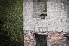 Francotirador que apunta en su blanco Fotografía de archivo