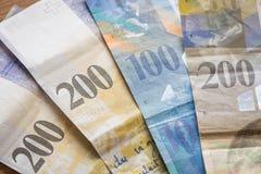 Francs suisses de dénominations de haut Images stock