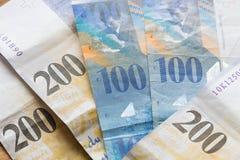 Francs suisses de dénominations de haut Photographie stock
