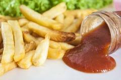 Francuscy dłoniaki i ketchup zdjęcie royalty free