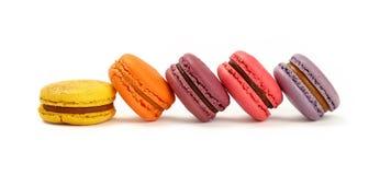 Francuscy słodcy macaron ciastka odizolowywający na bielu Fotografia Stock