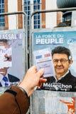 Francuska rejestr wyborczy karta trzymająca przed Luc Melench Zdjęcie Royalty Free