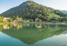 Francuska wioska w Alps górach Zdjęcia Royalty Free