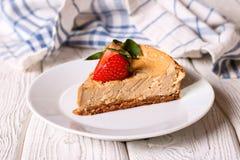 Francuski creme karmelu deser lub flan, plasterek Dojny pudding Obrazy Royalty Free