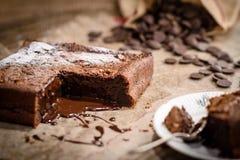 Francuski czekoladowy fondant tort zdjęcia royalty free