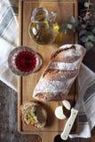 Francuski kraju chleb, czerwone wino, ser i oliwa z oliwek, Zdjęcia Stock