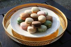 Francuski Macarons w różnych kolorach fotografia royalty free