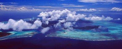Francuski Polynesia: Airshot od bor bor wyspy laguny fotografia stock
