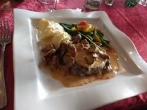 Francuski Restauracyjny lunch przy austerią obraz royalty free