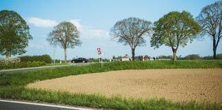 Francuskiego Peugeot czerni samochodowego je?d?enia wykonawczy post obraz stock