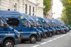 Francuz żandarmerii Milicyjni samochody dostawczy Redakcyjni zdjęcia royalty free