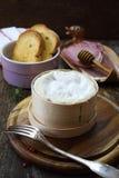 Francuza Vacherin Mont d ` Lub ser, zimni cięcia dla fondue Zdjęcie Royalty Free