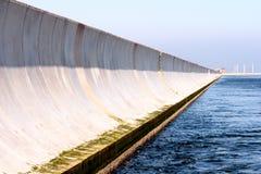 Frangiflutti del porto Fotografie Stock