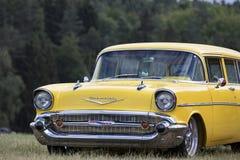 Franken, Alemania, el 21 de junio de 2015: Detalle delantero de un coche del vintage de Chevrolet Fotografía de archivo