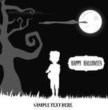 Frankenstein del bambino di Halloween che si leva in piedi all'indicatore luminoso di luna Fotografia Stock
