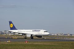 Frankfurt Airport - Airbus A319-100 of Lufthansa takes off Royalty Free Stock Photography