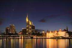 Frankfurt bij nacht Royalty-vrije Stock Afbeeldingen