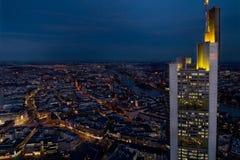 Frankfurt bis zum Nacht Stockfoto