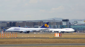 FRANKFURT, DEUTSCHLAND - 28. Februar 2015: Lufthansa Boeing 747 - MSN 28287 - D-ABVT, genannt Rheinland-Pfalz, das geht zu nehmen Stockbild