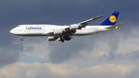 FRANKFURT, DEUTSCHLAND - 28. Februar 2015: Lufthansa Boeing 747 - MSN 37829 - D-ABYD, genannt Mecklenburg-Vorpommernlandung Lizenzfreies Stockbild