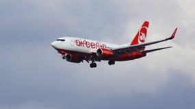 FRANKFURT, DUITSLAND - 28 FEBRUARI, 2015: Boeing 737 Volgende Gen - MSN 36117 - D-ABLD van Air Berlin die baan naderen bij Royalty-vrije Stock Foto's
