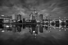 Frankfurt - f.m. - strömförsörjning Arkivfoto