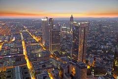 Frankfurt - f.m. - strömförsörjning på natten Royaltyfri Bild