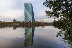 Frankfurt Hesse, Germany,/- 11 10 18: europejskiego banka centralnego budynek w Frankfurt Germany fotografia royalty free