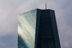 Frankfurt, Hessen/Deutschland - 11 10 18: Gebäude der Europäischen Zentralbank in Frankfurt Deutschland stockbild