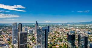 Frankfurt horisont, huvudsaklig flod, Tyskland Royaltyfri Bild