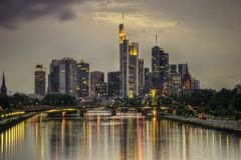 Frankfurt horisontTyskland royaltyfri fotografi