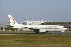 Frankfurt International Airport - Boeing 737 of Royal Air Maroc takes off Royalty Free Stock Photos