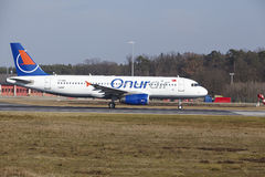 Frankfurt International Airport – Onur Air Airbus A320 takes off Stock Image