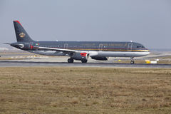 Frankfurt International Airport – Royal Jordanian Airbus A321 takes off Stock Images