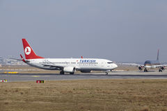Frankfurt International Airport – Turkish Airlines Boeing 737 takes off Stock Photos
