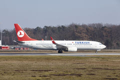 Frankfurt International Airport – Turkish Airlines Boeing 737 takes off Stock Image