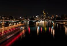 Frankfurt - jest - magistrala - linia horyzontu obrazy stock